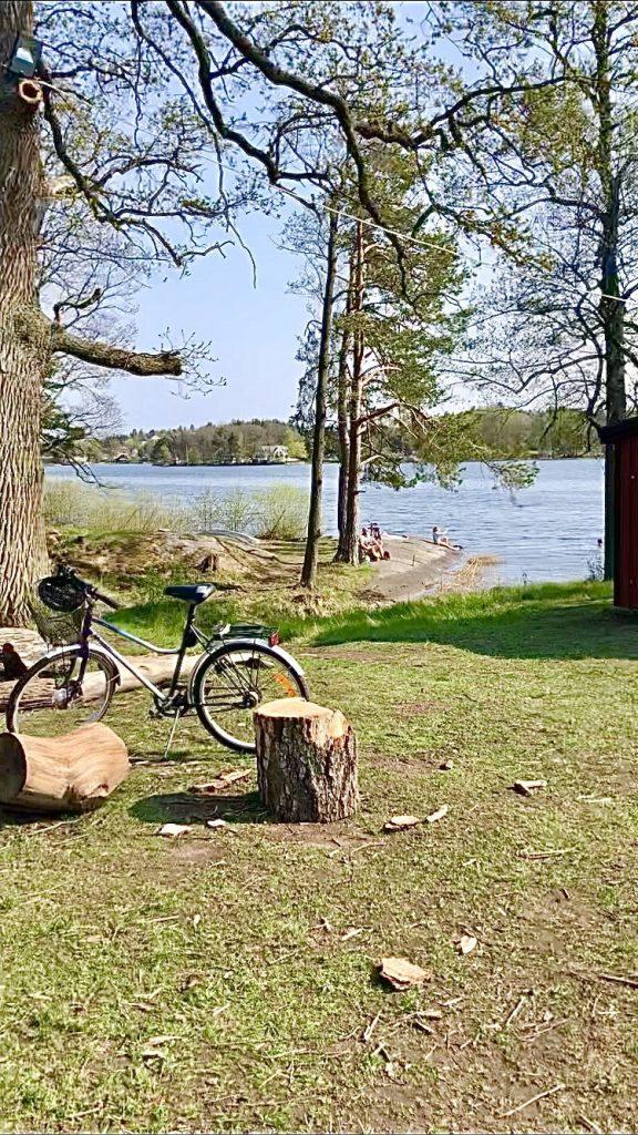 Farsta strand lake